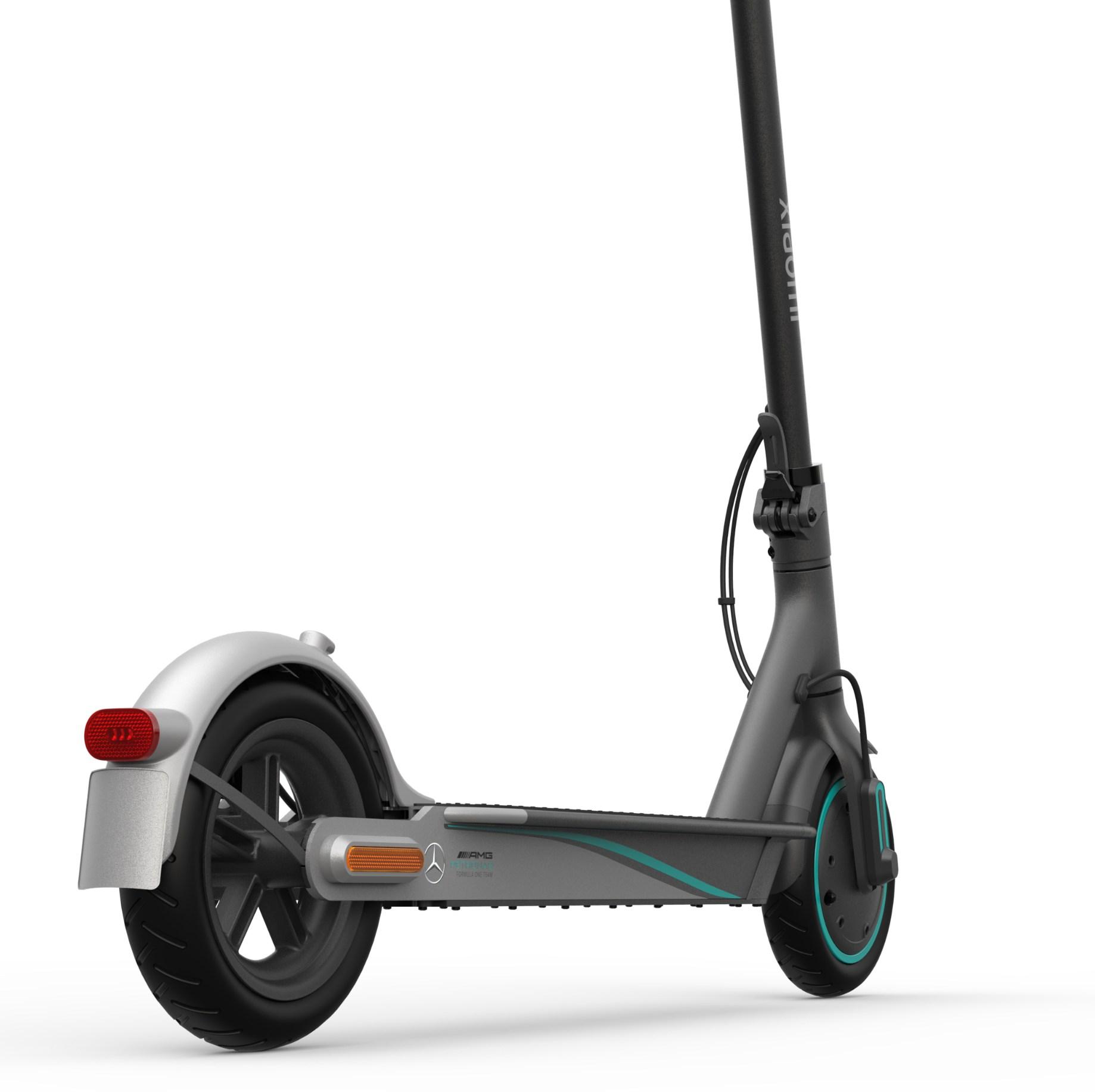Mi Electric Scooter Pro 2 - Mercedes AMG Petronas Formula 1 edition BHR4760GL-BK